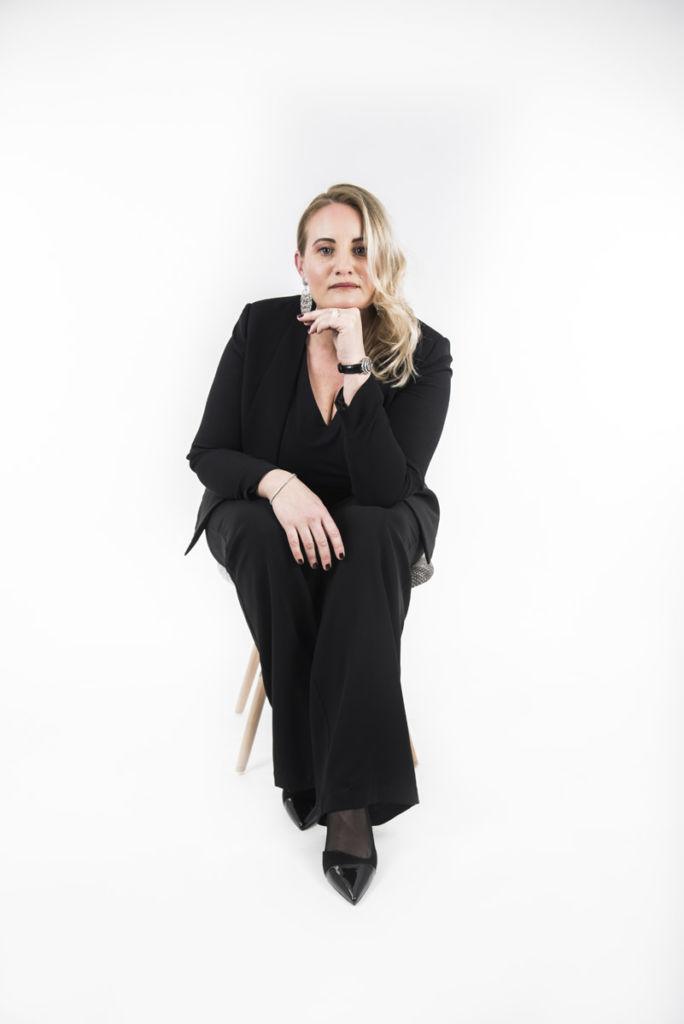 Shooting Eleonora Miitra